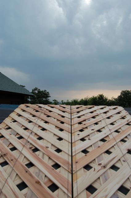 アミパネルで屋根通気だ!