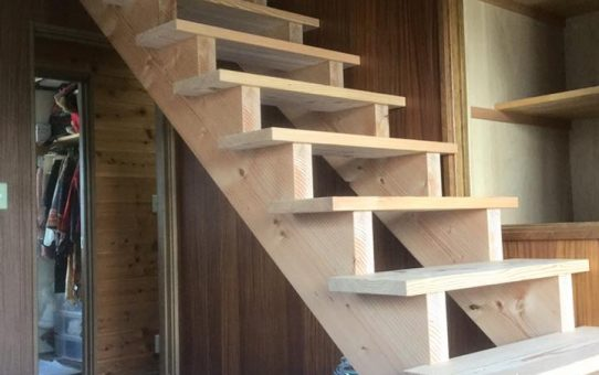 力桁階段が無事に