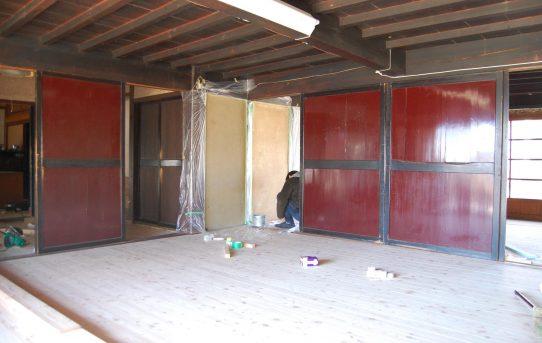 床張りバッチリ、そして壁塗りへ。