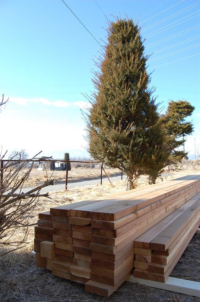 命の木、ウェスタンレッドシダーでウッドデッキ作り