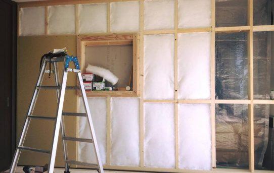 畳をカラマツ無垢フローリングに。間仕切り壁でカウンセリングルーム。