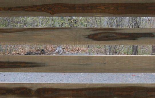 信州カラマツのグリーンラフ材、ウッドロングエコ塗装