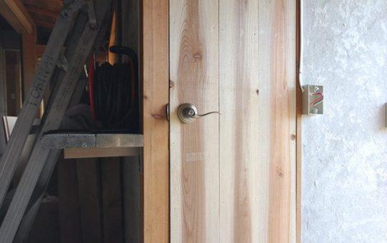 作ってみた木製建具を建て込んでみる