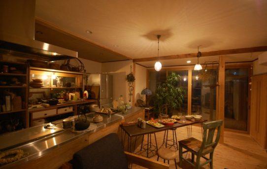長野市の雑木林の家で至福の時間。