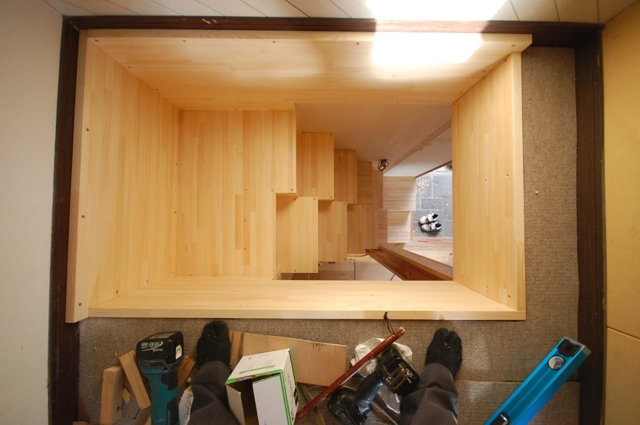 天にも登る箱階段。