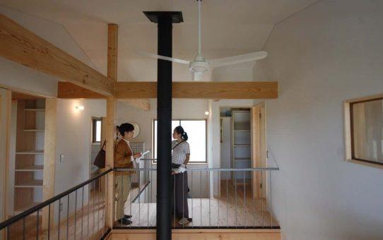 大工さんと材木屋さんが楽しそうなTUGU設計室さまの完成見学会
